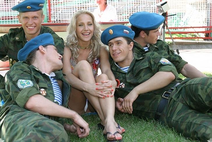 Юлия Ковальчук показала трусики