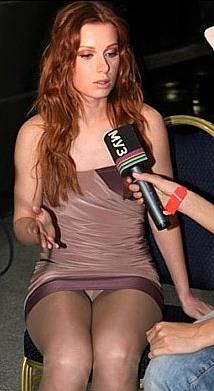 голая певица юлия савичева: